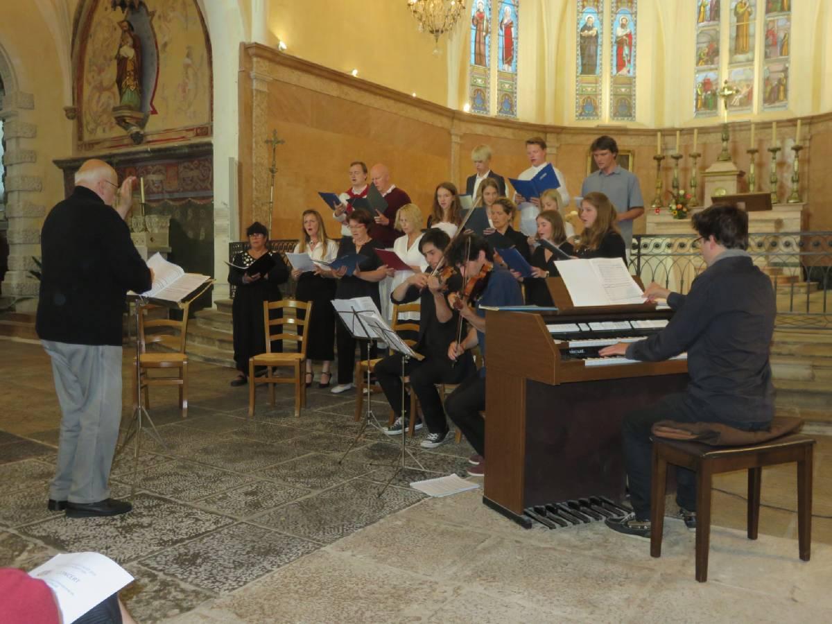 Concert de M Brand à l'église d'Arnay (2016)